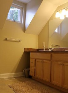 Cleveland Homes for Rent in Tremont bathroom