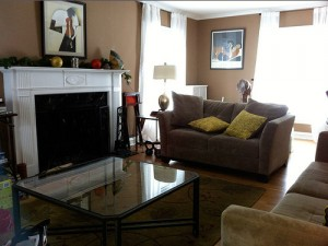 House for Rent in Cleveland, Elsmere Colonial living room