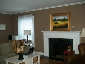 House for Rent in Cleveland, Elsmere Colonial livingroom