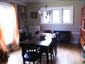 House for Rent in Cleveland, Elsmere Colonial dining room