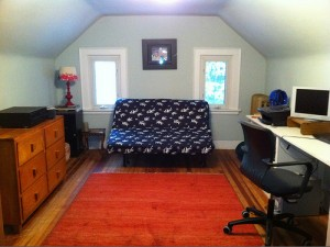 House for Rent in Cleveland, Elsmere Colonial room