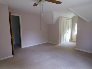 Homes for Rent Cleveland Ohio on Fenley Rd living room