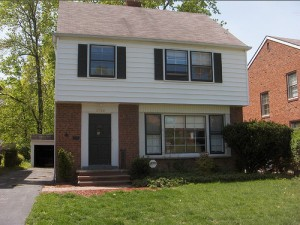 House for Rent in Cleveland on Hollister Rd front