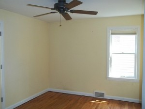 Homes for Rent Cleveland Ohio on Staunton Rd living room