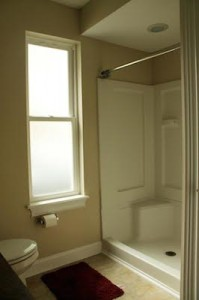 Cleveland Homes for Rent in Tremont shower