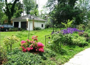 Cleveland Homes for Rent in Shaker Heights garden