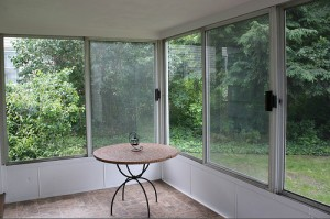 Homes for Rent Cleveland Heights, Ohio on Westover Rd sunroom