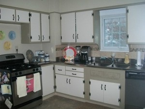 House for Rent in Cleveland, Elsmere Colonial kitchen
