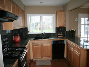 House for Rent in Cleveland Heights, Forest Hill kitchen2