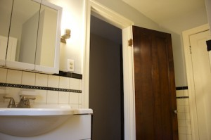 Homes for Rent Cleveland Ohio on Glynn Road bathroom