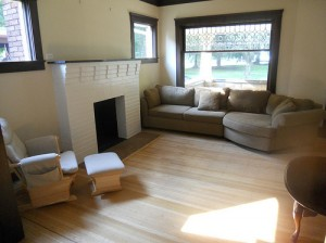 Homes for Rent Cleveland Ohio on Lake Avenue living room