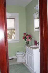 Cleveland Heights Homes for Rent on Maple Rd bathroom