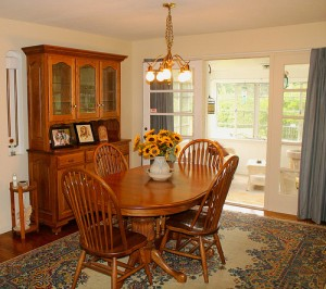 Homes for Rent Cleveland Ohio Heights on Westover Rd dining room